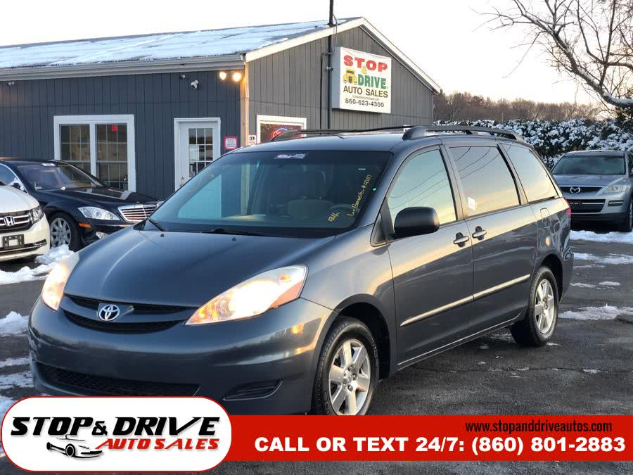 Used Toyota Sienna 5dr 7-Passenger Van LE FWD 2007 | Stop & Drive Auto Sales. East Windsor, Connecticut