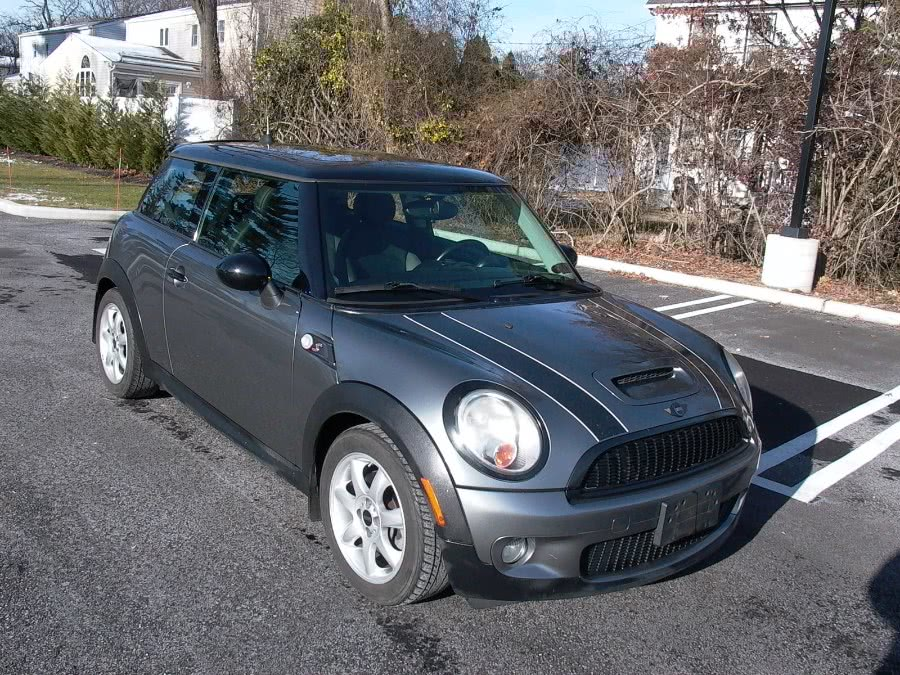 Used 2010 MINI Cooper Hardtop in Bellmore, New York