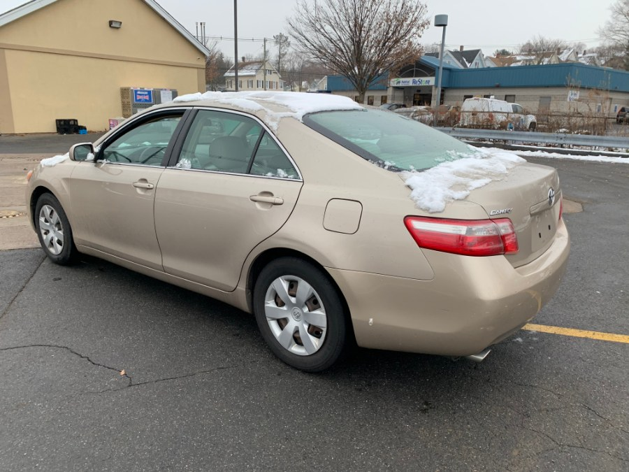 Used Toyota Camry 4dr Sdn V6 Auto XLE (Natl) 2007 | Wallingford Auto Center LLC. Wallingford, Connecticut