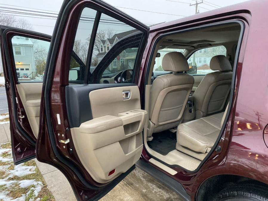 2014 Honda Pilot 4WD 4dr EX-L, available for sale in Meriden, Connecticut | House of Cars CT. Meriden, Connecticut