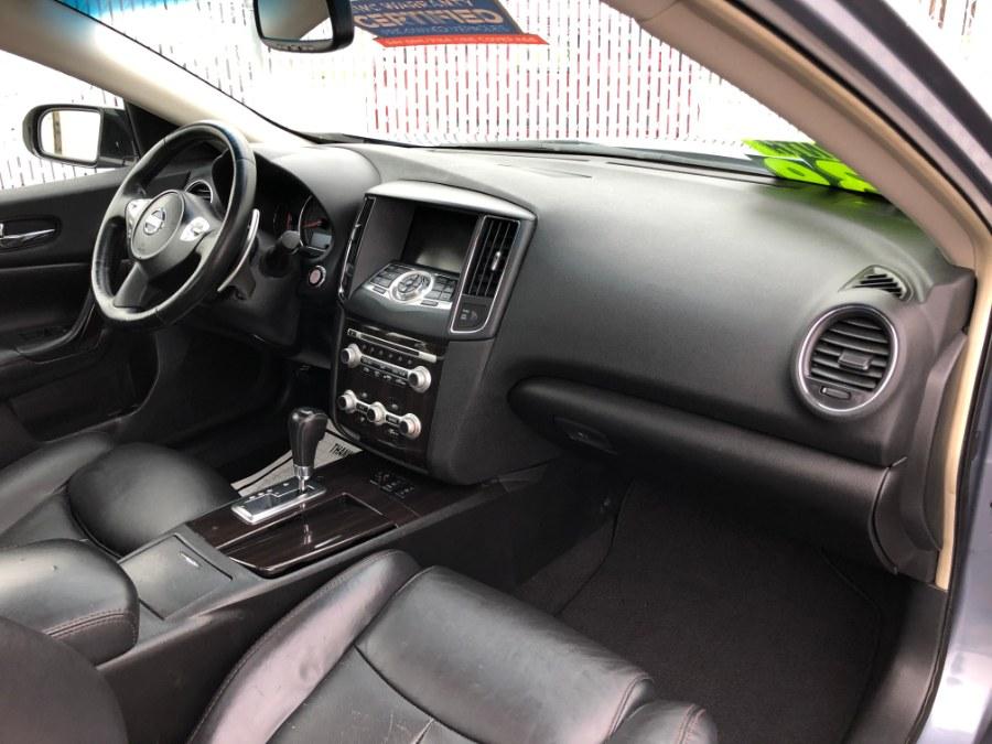 Used Nissan Maxima 4dr Sdn V6 CVT 3.5 SV w/Premium Pkg 2012 | Carmatch NY. Bayshore, New York