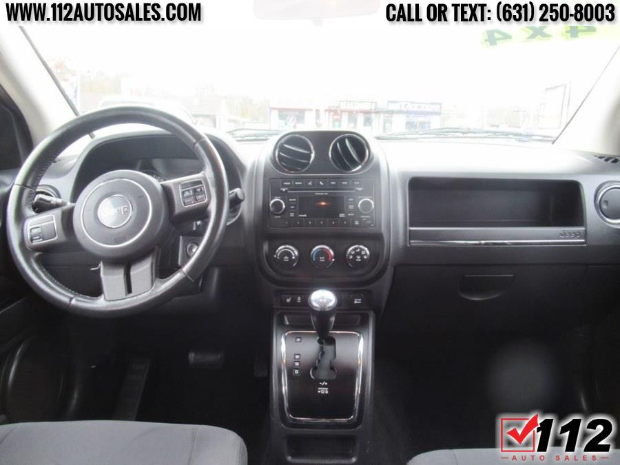 Used Jeep Compass 4WD 4dr Latitude 2011 | 112 Auto Sales. Patchogue, New York