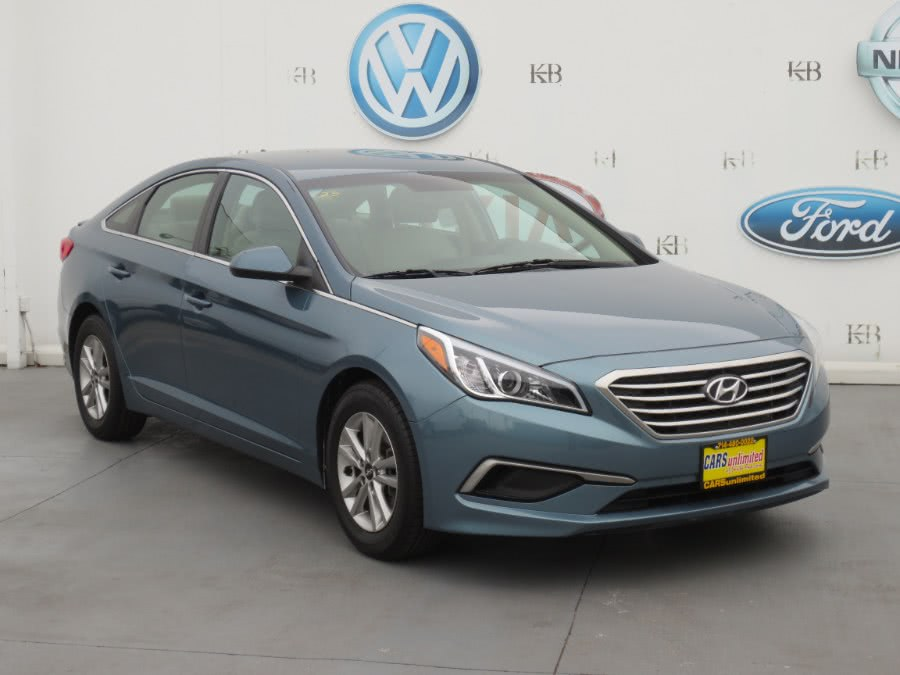 Used 2016 Hyundai Sonata in Santa Ana, California | Auto Max Of Santa Ana. Santa Ana, California