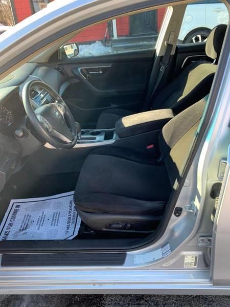 Used Nissan Altima 2.5 S 4dr Sedan 2013 | Mass Auto Exchange. Framingham, Massachusetts