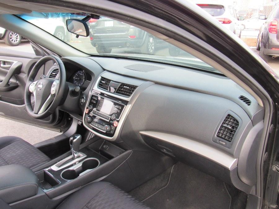 Used Nissan Altima 2.5 SV Sedan 2018   NJ Used Cars Center. Irvington, New Jersey