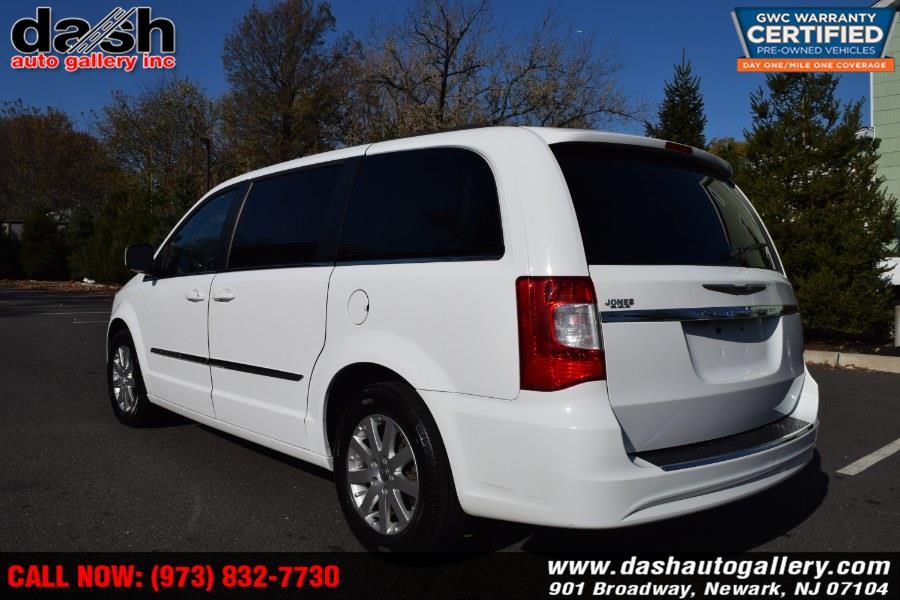 2014 Chrysler Town & Country 4dr Wgn Touring, available for sale in Newark, New Jersey | Dash Auto Gallery Inc.. Newark, New Jersey