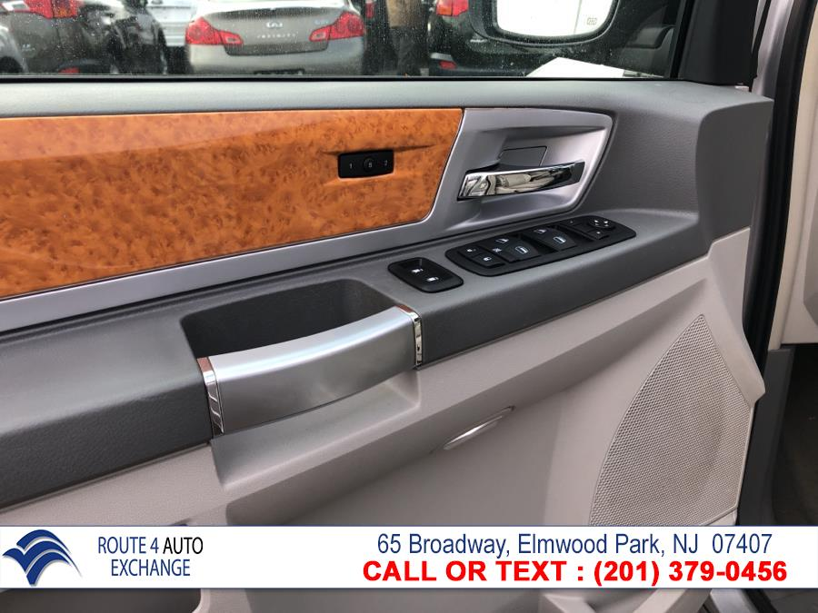 Used Chrysler Town & Country 4dr Wgn Limited *Ltd Avail* 2010 | Route 4 Auto Exchange. Elmwood Park, New Jersey