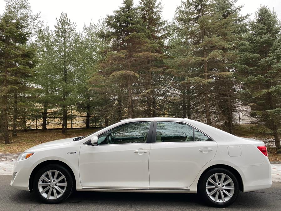 2014 Toyota Camry Hybrid 4dr Sdn XLE *Ltd Avail*, available for sale in Canton , Connecticut | Bach Motor Cars. Canton , Connecticut