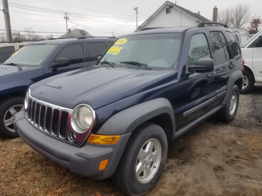 Used 2006 Jeep Liberty in Patchogue, New York | Romaxx Truxx. Patchogue, New York