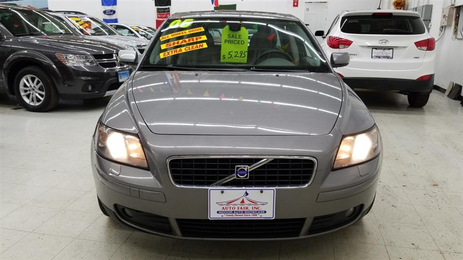 2005 Volvo V50 2.5L Turbo AWD Auto w/Sunroof, available for sale in West Haven, CT