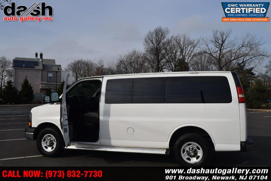 2011 Chevrolet Express Passenger RWD 3500 135