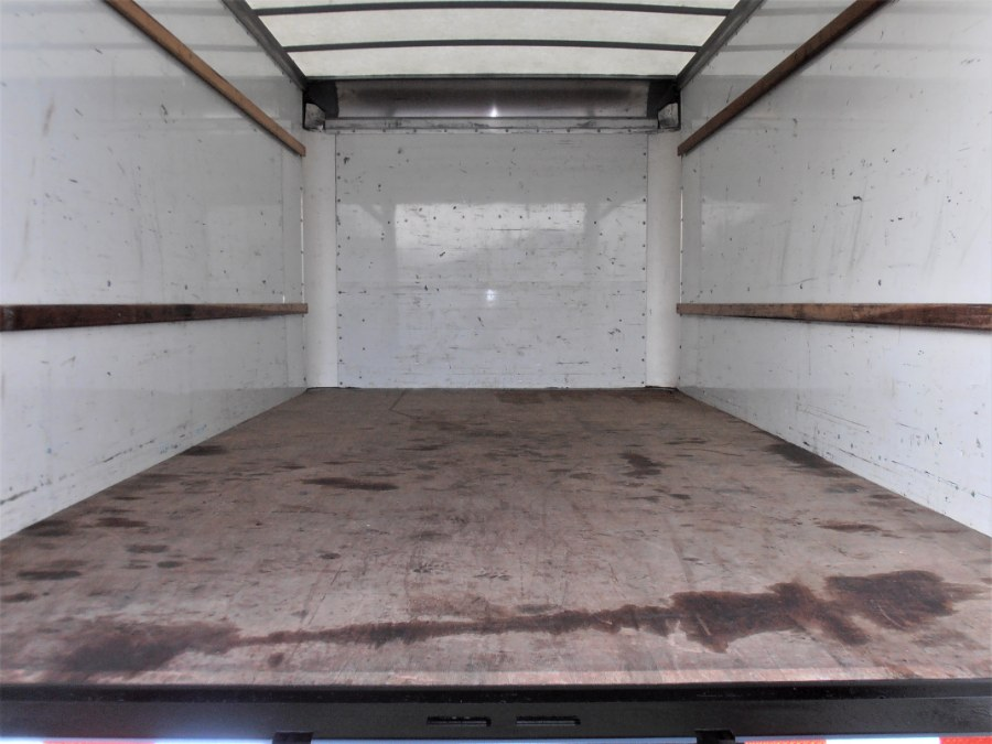 2015 GMC SAVANA 3500 16 FT BOX TRUCK w RAMP, available for sale in COPIAGUE, New York | Warwick Auto Sales Inc. COPIAGUE, New York