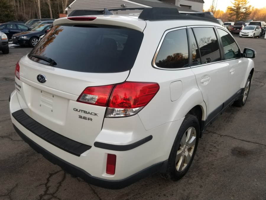 2011 Subaru Outback 3.6R Limited photo