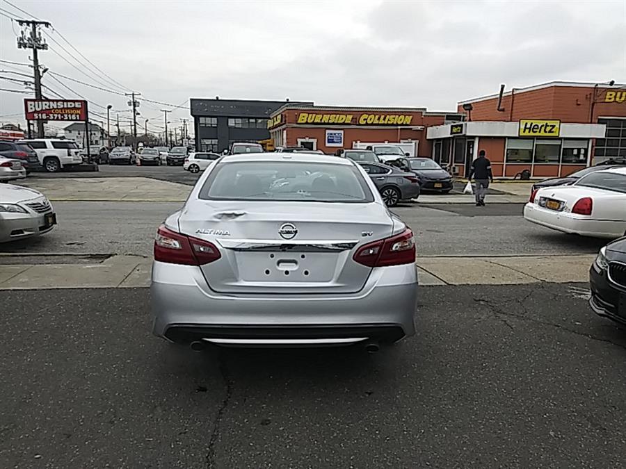 Used Nissan Altima 2.5 SV Sedan 2018 | 5 Towns Drive. Inwood, New York
