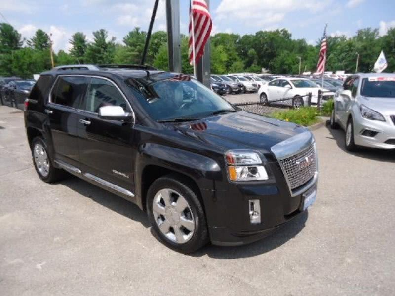 Used GMC Terrain AWD 4dr Denali 2015 | Chapdelaine Truck Center Inc.. Lunenburg, Massachusetts